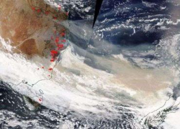 ავსტრალიის ტყის ხანძრებისას წარმოქმნილი კვამლი მთელ დედამიწას შემოუვლის - NASA
