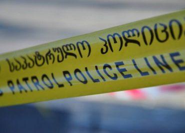 დაცვის თანამშრომელი დააბეს და სწრაფი ჩარიცხვის აპარატი გატეხეს - ყაჩაღობა ქობულეთში