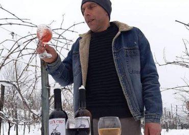 """როგორ ხვდებიან თოვლს გურიაში - თოვლში და """"ღვინოში"""" გადაღებული ფოტოები"""