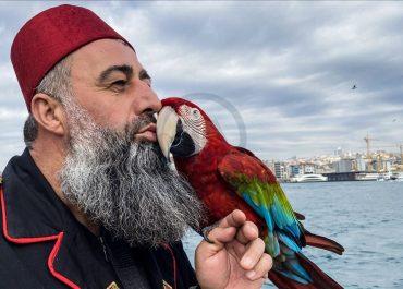როგორ დაიბრუნა ქართველი მესაზღვრეების მიერ ჩამორთმეული თუთიყუში თურქმა მსახიობმა?