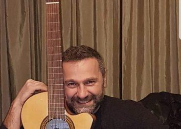 """(ვიდეო) """"საქეიფოდ არ წახვიდე, გადაიფიქრე"""" - ზურა მანჯავიძის ახალი სიმღერა"""