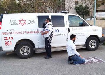 ებრაელმა და არაბბა ერთად ილოცეს – შთამბეჭდავი ფოტო ისრაელიდან