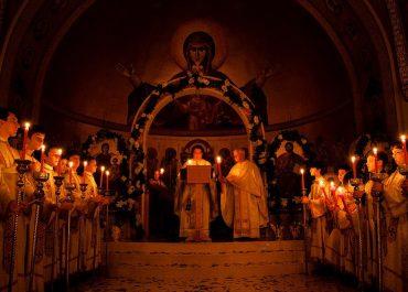 საბერძნეთში, პრემიერის ბრძანებით, ღვთისმსახურება აიკრძალა