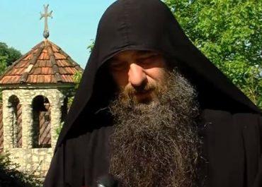 """""""ძალოვანებმა გადამიღეს, რომ პატრიარქს მსახურების დროს აღარ ვიხსენიებდი"""" - მამა ათინოგენეს  ღვთისმსახურების უფლება შეუჩერდა"""