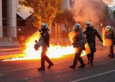 საბერძნეთში აშშ-ის საელჩოს მოლოტოვის კოქტეილები ესროლეს