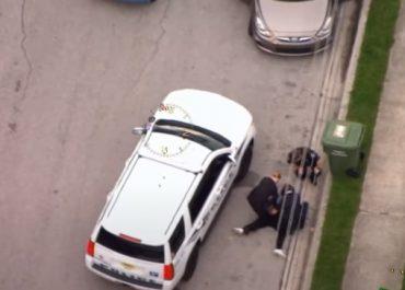 სკანდალური ვიდეო - ფლოიდის სიკვდილამდე  პოლიციელმა იგივე მეთოდი სხვა ფერადკანიანის დაკავებისას გამოიყენა