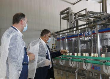"""გიორგი ხანიშვილი ლუდისა და უალკოჰოლო სასმელების ქარხანაში """"ზედაზენი"""" პროდუქციის წარმოების პროცესს გაეცნო"""