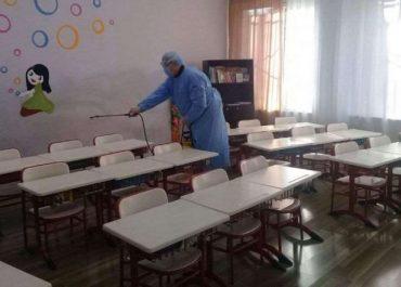 """ქუთაისში სკოლის თანამშრომელს COVID-19 დაუდასტურდა - """"სწავლის დაწყება გადაიდო"""""""