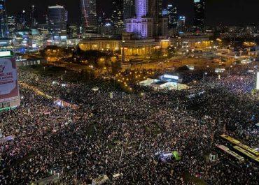 რას მოჰყვა პოლონეთში ყველაზე მასშტაბური აქცია? - 100 ათასი ადამიანი გამოვიდა