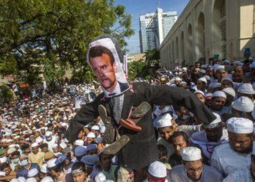 """""""ბოიკოტი ფრანგულ პროდუქტს"""" - მუსლიმებმა აქციები გამართეს"""