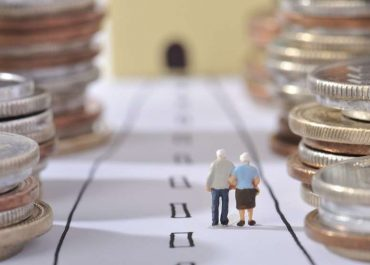 პენსიის გაზრდა 400 ლარამდე და მე-13 პენსია - როგორია 2020 წლის დაპირებები?