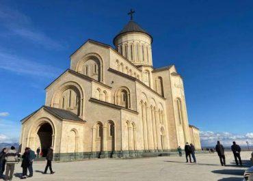 კორონავირუსით გარდაცვლილ ეპისკოპოს ლაზარეს დღეს დაკრძალავენ