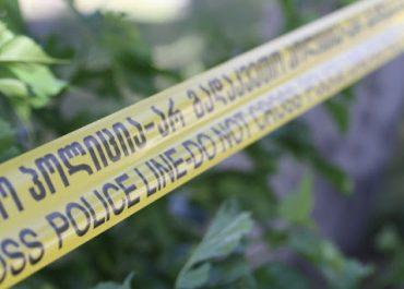 პოლიციამ კახა ოქრიაშვილის ახლობლის, დმანისის საკრებულოს თავმჯდომარის, დაჭრის ბრალდებით მათივე ნათესავი დააკავა