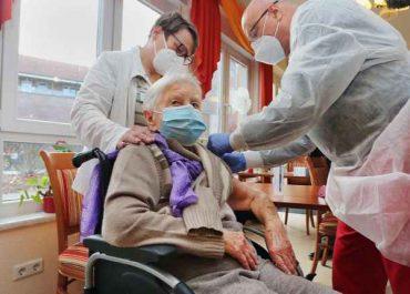 გერმანიაში კორონავირუსის პირველი ვაქცინა 101 წლის ქალს გაუკეთეს