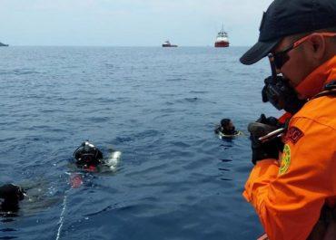 ინდონეზიაში ჩამოვარდნილი თვითმფრინავის შავ ყუთებს მიაკვლიეს